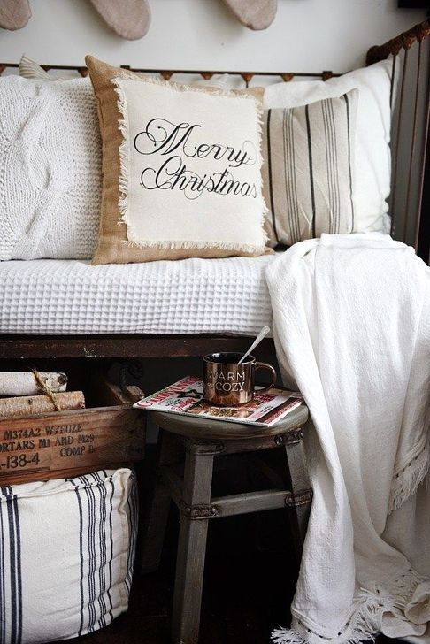 Neutral Winter Decoration Ideas For Your Home 20