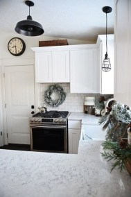 Neutral Winter Decoration Ideas For Your Home 22