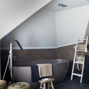Simple But Modern Bathroom Storage Design Ideas 21