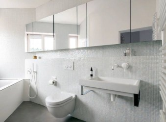 Simple But Modern Bathroom Storage Design Ideas 32