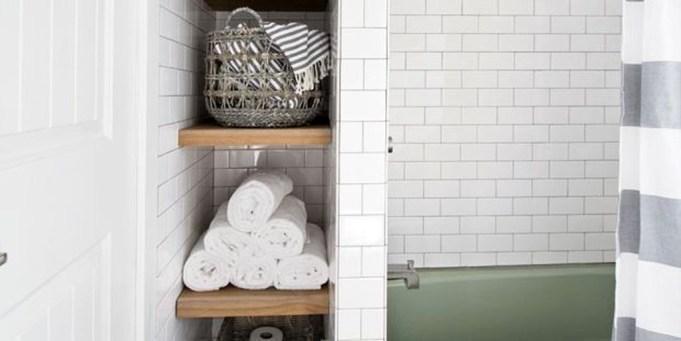Simple But Modern Bathroom Storage Design Ideas 44