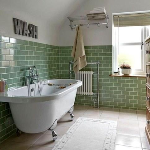 Simple Traditional Bathroom Design Ideas 12