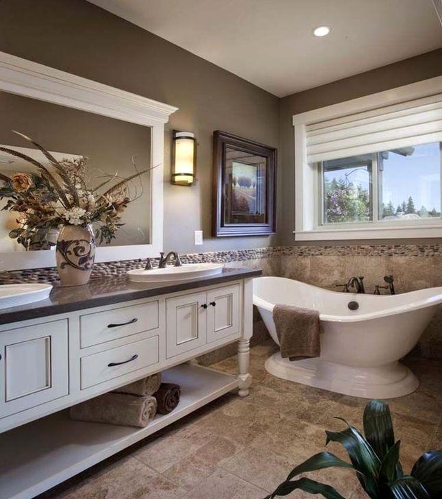 Simple Traditional Bathroom Design Ideas 21