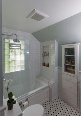 Simple Traditional Bathroom Design Ideas 31