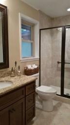 Simple Traditional Bathroom Design Ideas 35