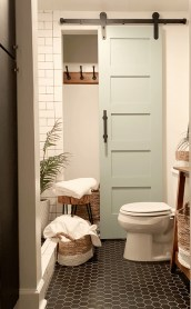 Simple Traditional Bathroom Design Ideas 58