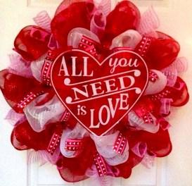 Wonderful DIY Valentines Wreath Decor Ides 04