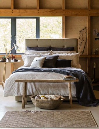 Astonishing Scandinavian Bedroom Design Ideas 24
