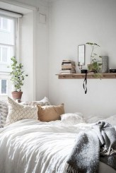 Astonishing Scandinavian Bedroom Design Ideas 40