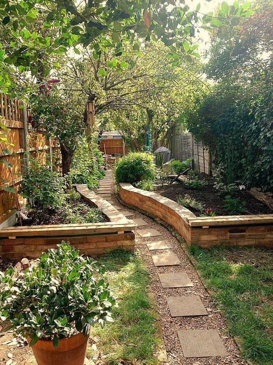 Best DIY Garden Path Designs You Can Bulid To Complete Your Gardens 30