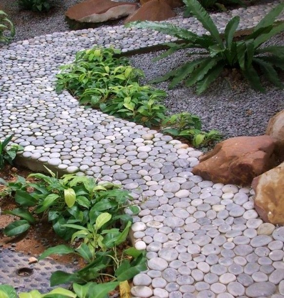 Best DIY Garden Path Designs You Can Bulid To Complete Your Gardens 32