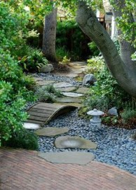 Best DIY Garden Path Designs You Can Bulid To Complete Your Gardens 34