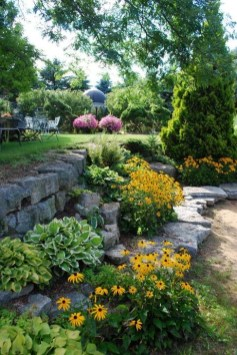 Best DIY Garden Path Designs You Can Bulid To Complete Your Gardens 39