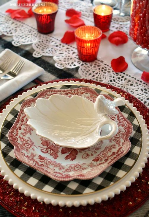 Elegant Table Settings Ideas For Valentines Day 28