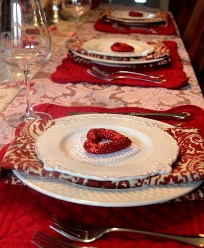 Elegant Table Settings Ideas For Valentines Day 32