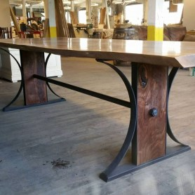 Modern And Unique Industrial Table Design Ideas 28