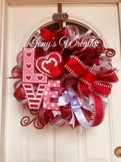 Simple DIY Valentines Day Decor Ideas 25