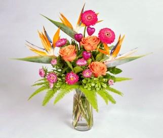 Stunning Valentine Floral Arrangements Ideas 12