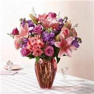 Stunning Valentine Floral Arrangements Ideas 13
