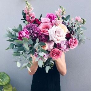 Stunning Valentine Floral Arrangements Ideas 14