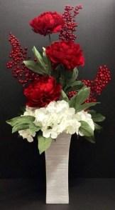 Stunning Valentine Floral Arrangements Ideas 16