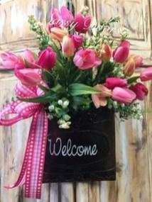 Stunning Valentine Floral Arrangements Ideas 36