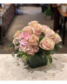 Stunning Valentine Floral Arrangements Ideas 37