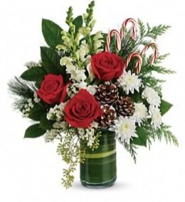 Stunning Valentine Floral Arrangements Ideas 38