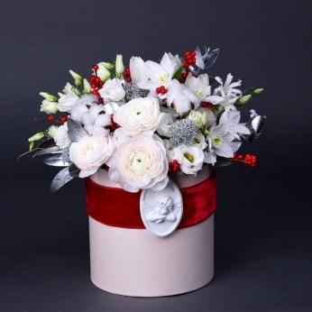 Stunning Valentine Floral Arrangements Ideas 39
