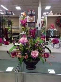 Stunning Valentine Floral Arrangements Ideas 42