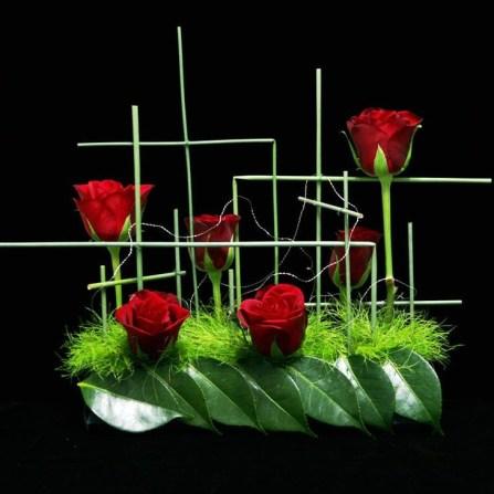 Stunning Valentine Floral Arrangements Ideas 49