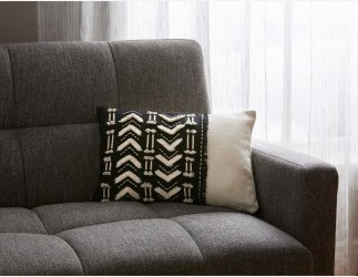 Cozy Black And White Living Room Design Ideas 22