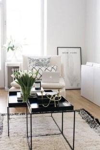 Cozy Black And White Living Room Design Ideas 34
