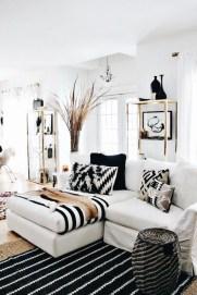 Cozy Black And White Living Room Design Ideas 41