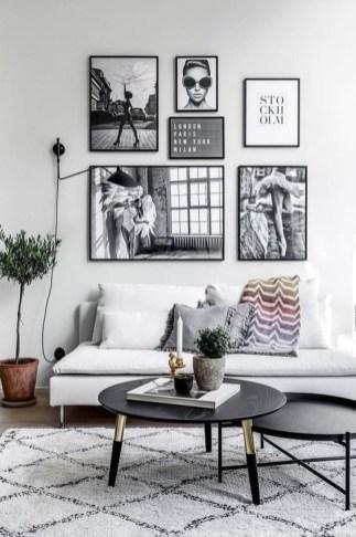 Cozy Black And White Living Room Design Ideas 45