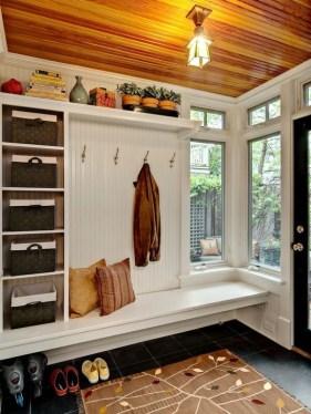 Easy DIY Mudroom Bench Ideas For Inspiration 06