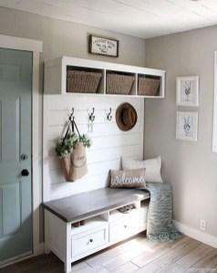 Easy DIY Mudroom Bench Ideas For Inspiration 28