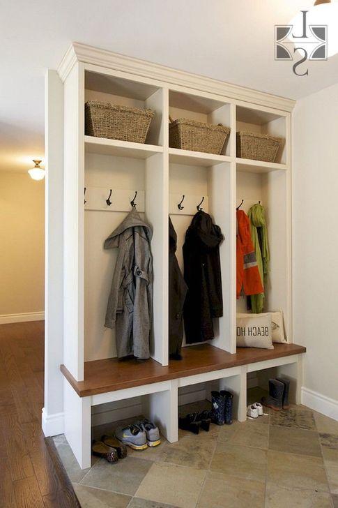 Easy DIY Mudroom Bench Ideas For Inspiration 33