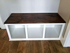 Easy DIY Mudroom Bench Ideas For Inspiration 38