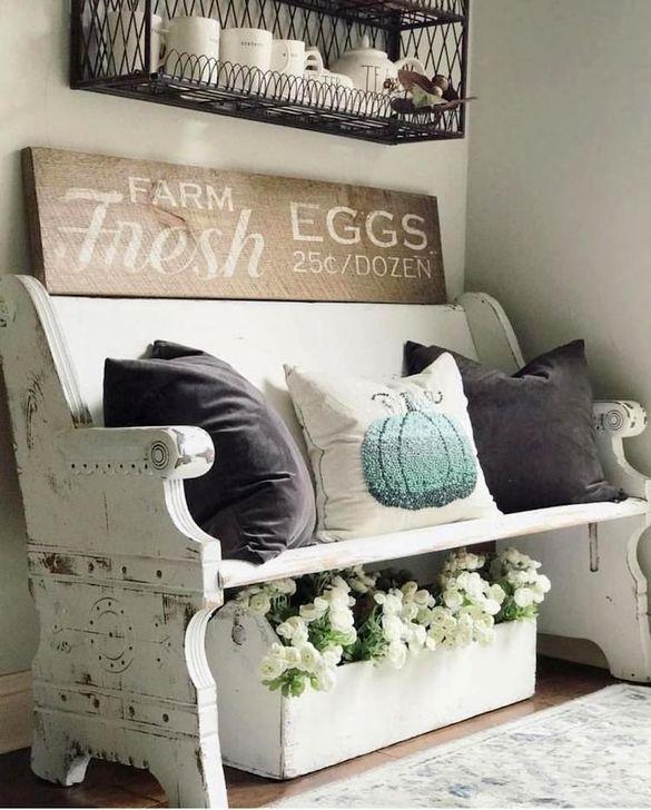 Easy DIY Mudroom Bench Ideas For Inspiration 40