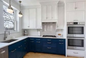 Elegant Navy Kitchen Cabinets For Decorating Your Kitchen 33