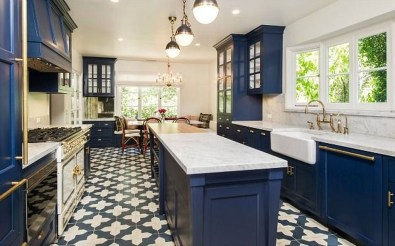 Inspiring Blue And White Kitchen Ideas To Love 21