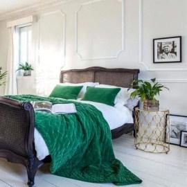Natural Green Bedroom Design Ideas 02