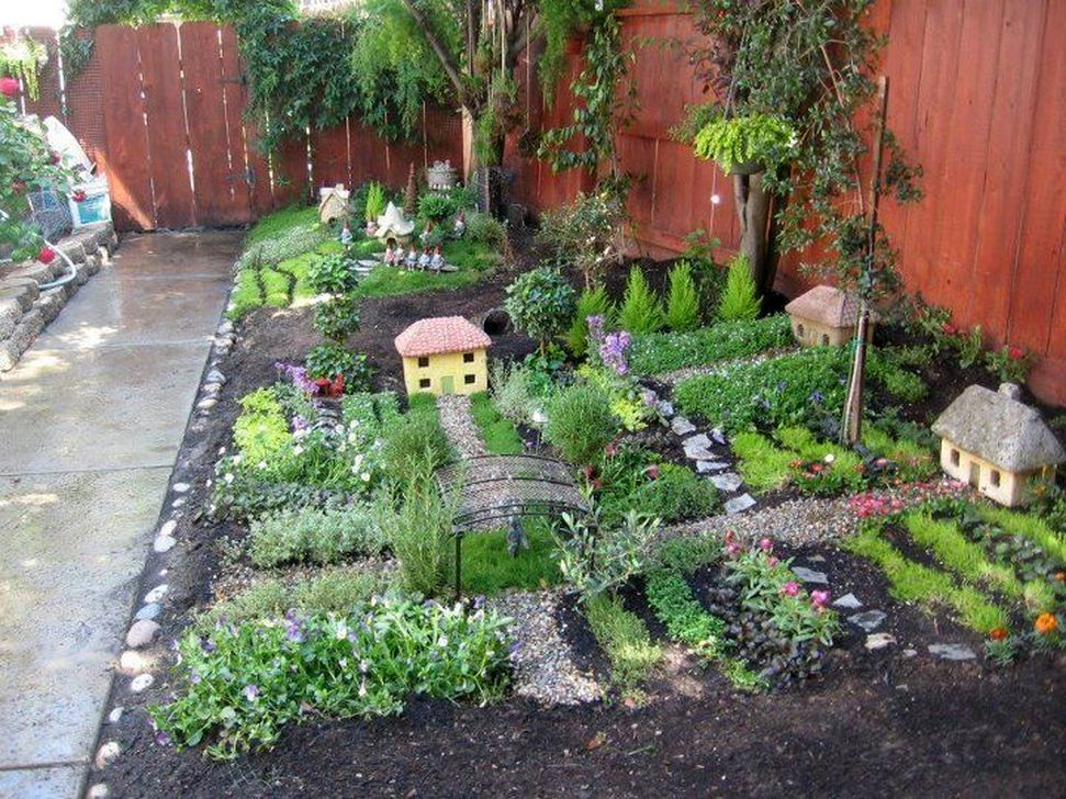 Pretty Fairy Garden Plants Ideas For Around Your Side Home 13