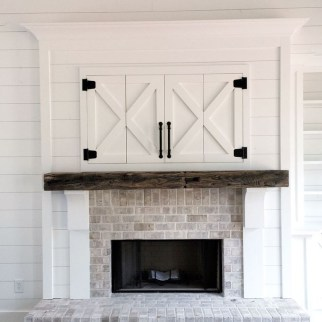 Rustic Farmhouse Fireplace Ideas For Your Living Room 41