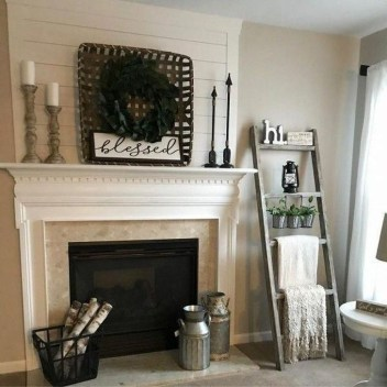 Rustic Farmhouse Fireplace Ideas For Your Living Room 50