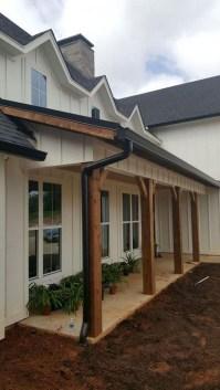 Awesome Farmhouse Home Exterior Design Ideas 12