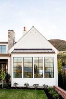 Awesome Farmhouse Home Exterior Design Ideas 29