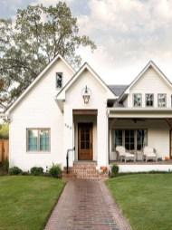 Awesome Farmhouse Home Exterior Design Ideas 40