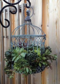 Beautiful Hanging Planter Ideas For Outdoor 04